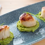 Galley Head King Scallops on pea puree port and balsamic reduction
