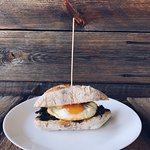 Ciabatta with fried egg and spinach