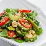 Салат из битых огурцов  с авокадо, плодами лотоса и кешью (Фитнес меню)