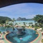 Photo de Phi Phi Island Cabana Hotel
