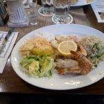 Piatto tipico con pesce fresco