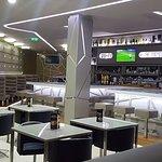 O Snack-bar é espaço ideal para uma refeição rápida, uma boa cerveja e um bom gin.