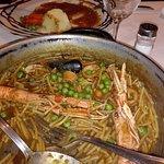 Como segundo plato de la Garoinada, yo tomé unos fideos a la cazuela con calamar y marisco