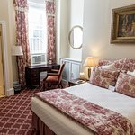 Foto La Reserve Center City Bed and Breakfast