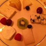 Cheese plate (served with bread)