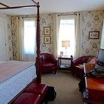 Cozy Nook with Comfy Seats, Room #5