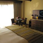 Ritz Carlton - Dove Mountain - Third Floor King room - King bed and TV