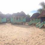 Photo de Taufua Beach Fales