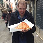 Great pizza for around 3 euros!  I would give it 5*s but I think it lacked somewhere to sit or e