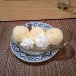 vanilla ice cream with whipped cream