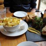 Chips with garlic mayo and roasted garlic bulb (with bread, garlic puree and salad)
