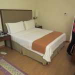comy bed modern suite