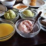 green tea ice cream, mango pudding, red bean ice cream, mocha mousse cake