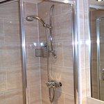 Shower in The Bear Room 38 - Crickhowell (21/Feb/17).