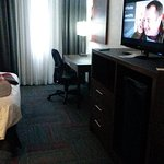 Photo de BEST WESTERN PLUS Toronto Airport Hotel