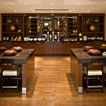Article One - American Grill serves breakfast daily: choose breakfast buffet or order à la carte