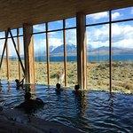 Piscina y area de spa! Con vista al Lago Sarmiento y guanacos.