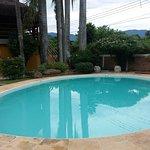 Vista geral da área da piscina