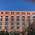Photo de The Hotel at Auburn University