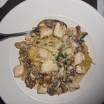 linguine with mushrooms and tender chicken