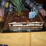 Gâteau d'anniversaire, fête entre amis