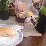Empanada y cerveza artesanal