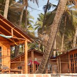 Top Range huts, right on the beach
