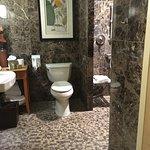 Room 180 Bathroom