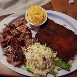 Dry ribs & pulled pork combo with slaw and mac & cheese sides