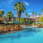 Riviera Palm Springs Resort