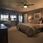 Residence Suite, Large Master Bedroom with Hilo Bay View