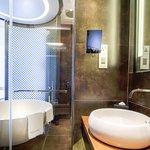 Andy Warhol Inspired Room, Bathroom