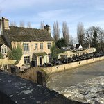 Lovely pub by the river!