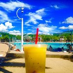 Tropicana Smoothie: Mango, Passionfruit & Pineapple