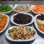 Γιατί το καλό κρέας πρέπει να συνοδεύεται από μια ζουμερή σαλάτα