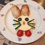 Детская куриная котлетка с пюре (детское меню)