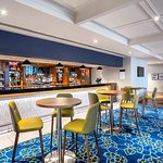 Photo de Jurys Inn Aberdeen Airport