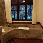 Very nice soaking tub