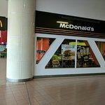 صورة فوتوغرافية لـ Mcdonalds