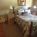 1st Floor  Queen Country Homestead Suite