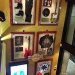 Alcuni pezzi della collezione esposta