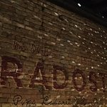 Fotografija – Radost - Pizza Cabaret & Disco Grill
