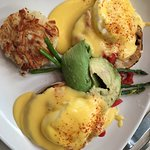 Delicious Eggs Benedict & Sweetly Decorated with a bit of attractive Art Deco