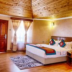 Spacious quiet room just to make you have a home away from home feeling after busy days at work