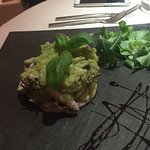 Tortino di calamaretti e patate al Pesto leggero con riduzione di aceto balsamico