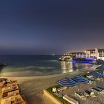Dubai Marine Beach Resort and Spa Bild