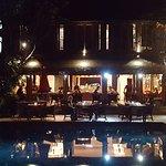 Pool und Restaurant-Terrasse