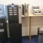Kaffee u. Wasser im Eingangsbereich