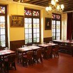 Aux Anysetiers Du Roy Restaurant Foto