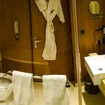 Big Bathroom Suite 2nd view
